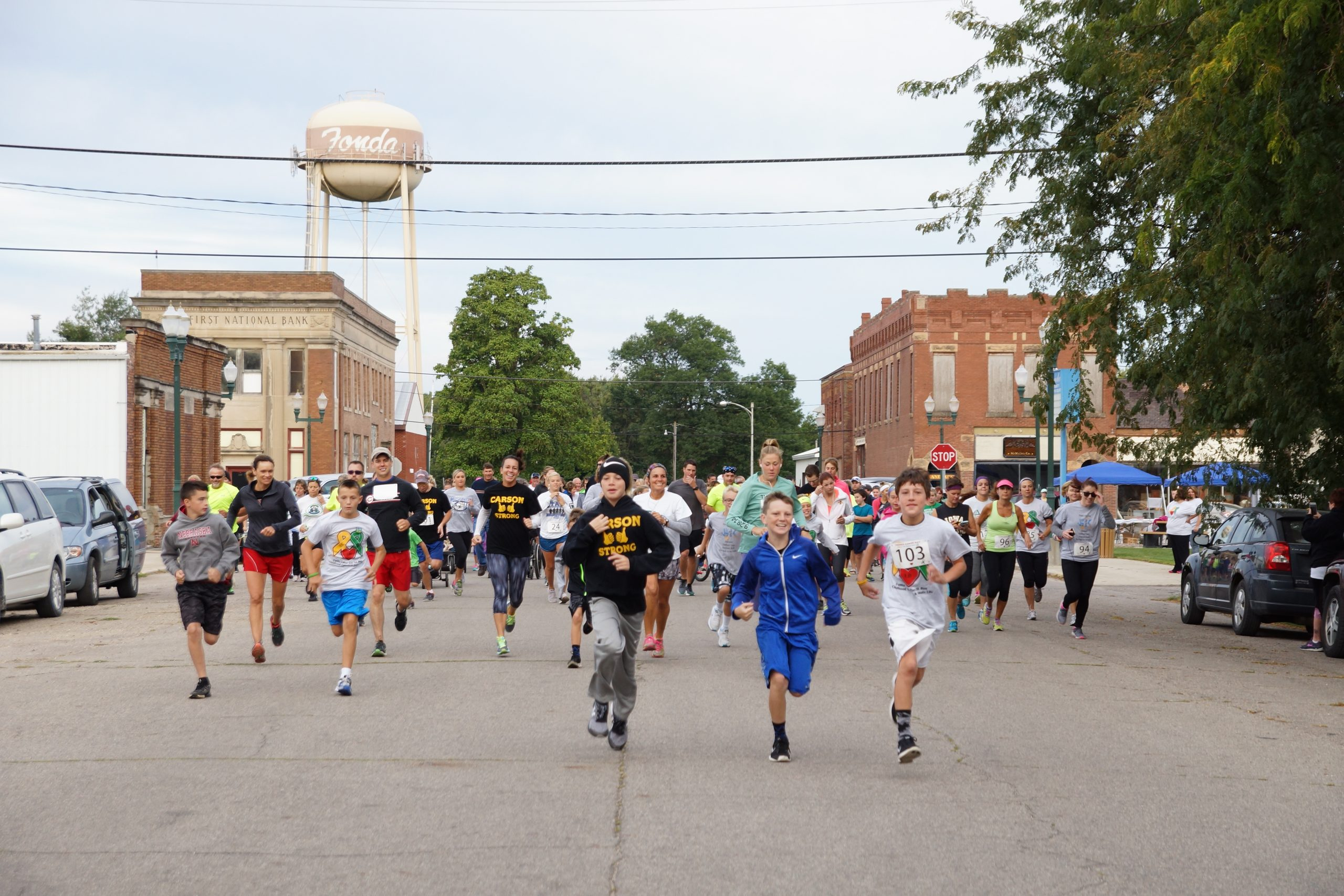 Runners at 5K during Fonda Labor Day Celrbation 2016